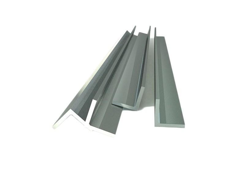Уголок алюминиевый 30х30х2,0 2,0м Россия